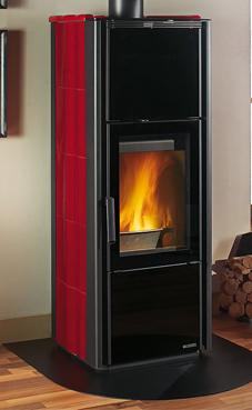 NORDICA-EXTRAFLAME modelo GIADA 7 Kw. (pergamino o burdeos) Revestimiento exterior de acero y mayólica Cajón por la leña y cenicero escamotable Cristal ceramico que resiste hasta 750°  Hogar con llama vertical